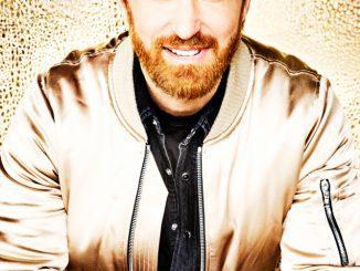 Producent DAVID GUETTA a speváčka SIA kraľujú rádiám v Európe. Rozhlasový éter ovládli so singlom Flames.