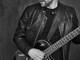 """Čo sa skrýva za zmenou v hudbe Adama? Bude jeho nový album """" Adam Ďurica – 30 """" celkom iný?"""