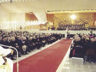 Alexandrovci vystupovali pred pápežom, vsídle NATOaj na MTV Video Music Awards.
