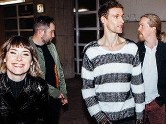 Irský indie fenomén Walking On Cars na prvním koncertě v Praze.