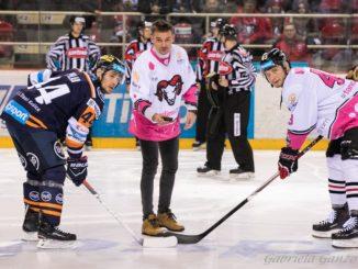 Banskobystrickí hokejisti opäť podporili myšlienku charitatívneho projektu AVON!