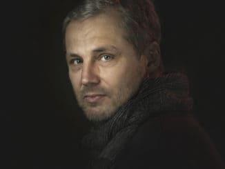 ANDREJ ŠEBAN VYDÁVA SVOJU EXPERIMENTÁLNU TVORBU NA TROJALBUME TRIPLET.