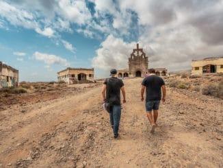"""Raper Opak a Xindl X prinášajú z Tenerife nový videoklip Freetime. """"Život nie je iba štart - cieľ..."""""""