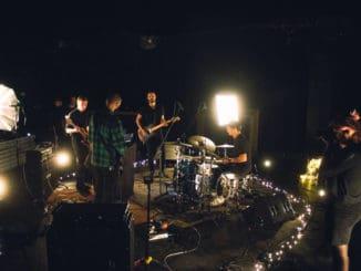 Do světa míří nová série live sessions z Brna.
