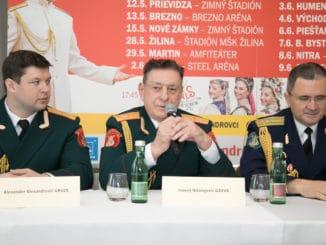 Alexandrovci:  Prípravu slovenského turné prišli podporiť zástupcovia súboru.