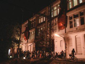 Veřejný dům představí činnost továrny, kde se tvoří umění.