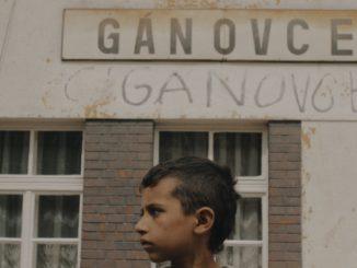 Hluché dni onepočujúcich deťoch zrómskych osád uvedú vsvetovej premiére vKarlových Varoch.
