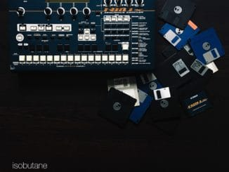 Isobutane z The Ills sa vracia k elektronike, vydáva dva sólové albumy.