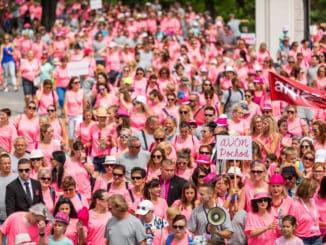 AVON Pochod: Už túto sobotu ukážu stovky ľudí, čo nosia vsrdci.