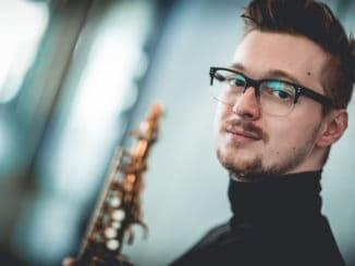 Saxofónista Nikola Bankov: debutový album, svetový hosť a zahraničná zostava.