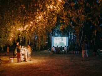 Vidiecke komunity sa stretli pri filmových premietaniach VIFI FESTU.