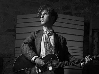 Uchvátil Passengera i Glena Hansarda. Irský písničkář David Keenan v Praze představí svůj debut.