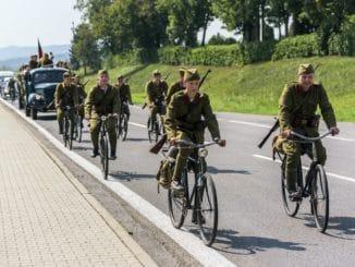 Na priezvedy - Jazda dobovej cyklistickej eskadróny | 28. 8. 2019 | Zvolen - Banská Bystrica | Foto: Norbert Kuklovský
