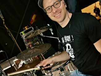 Bubeník Jan Frohlich přichází s dalším drumcoverovým zásahem.