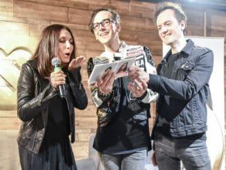 Nový album skupiny Nocadeň pokrstila Henrieta Mičkovicová vzdušným bozkom!