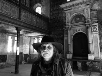 """""""Na moje remeslo nedám dopustiť, pretože ma celý život bavilo aživilo,"""" hovorí kameraman Richard Krivda, ktorý si prevezme cenu KAMERAza celoživotné dielo."""