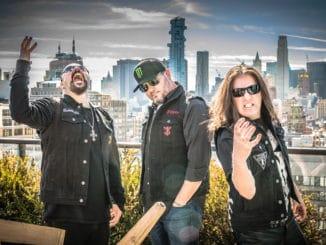 THE THREE THREMORS - metalová šou, aká sa nevidí.