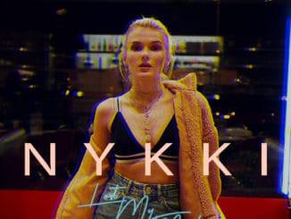 Vychádzajúca hviezda NYKKI odkrýva najhlbšie emócie v odvážnom novom singli 'LOST MY MIND'.