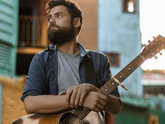 Procítěné písně a pomoc lidem bez domova: Passenger se vrací s aktuálním albem.