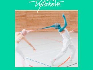 Klára Vytisková vnovom singli a klipe Just Be You spieva o tom, že život nie je súťaž.Nový album Love is Gold vychádza 6. marca.