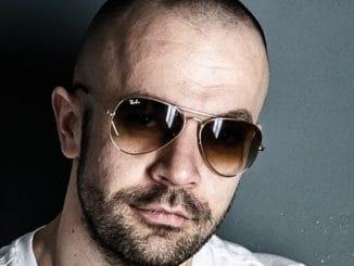 Robert Burian vydáva ICan't Sleep na švajčiarskom labeli Enormous Tunes.
