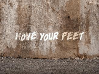 Spolupráca medzi Robertom Burianom a švajčiarskym vydavateľstvom pokračuje a na svete je ďalší singel Move Your Feet.