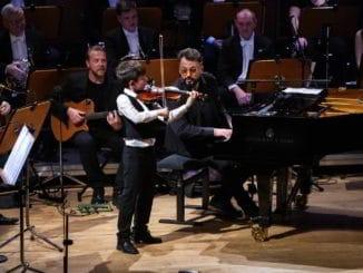 Fenomenálni Čekovský, Karvay, Sedlický a supertalenty huslista Gertler a klavirista Bradshaw získali s ŠKO Žilina pre deti s sonkologickými ochoreniami 20000 euro.