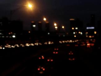 Nielen ľudia sa boja tmy. Aj tma sa môže báť, spieva Richard Ďurana vnovom singli Tma.
