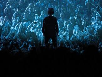 Nick Cave & The Bad Seeds znají nový termín pražského koncertu.