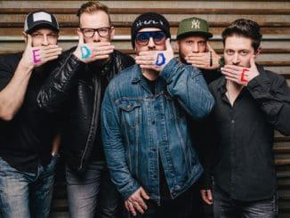 Česká skupina EDDIE STOILOW sa rozchádza. Štyria zpiatich členov kapelu opúšťajú, dôvodom sú dlhodobé vnútorné nezhody.