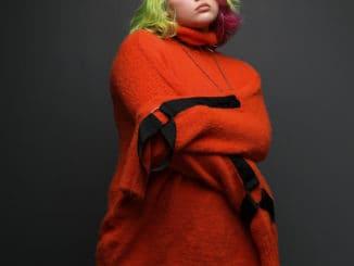 Hlas generácie Z Karin Ann nastavuje ZRKADLO démonom vnás vnovom singli.