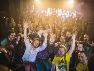 Akustika vynahradí fanúšikom zrušený koncert online streamom už túto nedeľu.