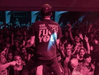 """Kapela INEKAFE štartuje koncertné leto, 3. júla vbratislavskej Umelke zahrá po prvýkrát naživo novinku """"Ruleta""""!"""
