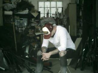 Marpo vydáva videoklip k tracku, na ktorom rapuje o všetko, čo ho Nebaví.