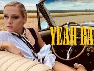 EMMA DROBNÁ natočila klip k letnému hitu YEAH BABY! Pozrite si jej parádnu jazdu na kabriolete.