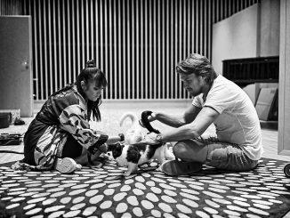 Vojtěch Dyk a Ewa Farna vydávajú prvú lastovičku z veľkolepého projektu Folk Swings. Pieseň KOČKY je súčasťou unikátneho albumu, ktorá vychádza 30. októbra.