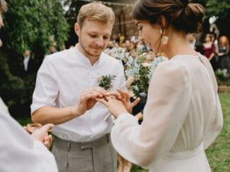 Thom Artway má nový zaľúbený singel, venoval ho svojej manželke.