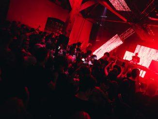 Iniciatíva #SAVETHENIGHT podporila 56 DJs. Bj Piggo na prvých priečkach.