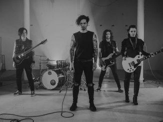 Fictive Marry predstavujú nový klip kskladbe Labyrinty bláznov. Venujú ju zosnulej fanúšičke.