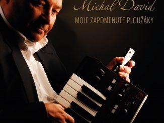 MICHAL DAVID vydal album Moje zapomenuté ploužáky a pridal aj niekoľko vianočných piesní.