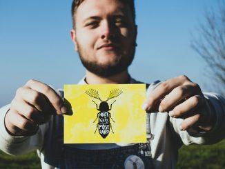 Adam Kriss vydáva singel Postcard k pripravovanému seriálu okolo sveta!