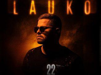 "Rapujúci spevák s gitarou Lauko si plní sen novým singlom ""Daj mi cash""!"
