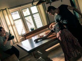 Nový singl Vojty Dyka je nielen plný lásky, ale zároveň najväčším hitom z projektu D.Y.K. Príbeh k piesni You Don´t Know Who I Am z albumu D.Y.K. natočil so svojou ženou Tatianou.