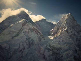 Everest – najťažšia cesta. Film odobrodružstve aprekonaní limitov prichádza vonline kino premiére.