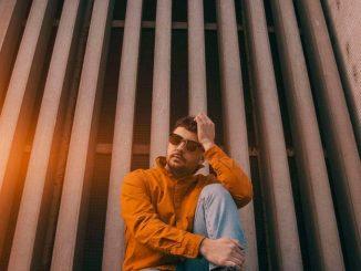 Spevák a hudobník MATEJ SMUTNÝ vydáva nový singel. Skladbu Fairytale nájdete na všetkých streamingových platformách vrátane YouTube.