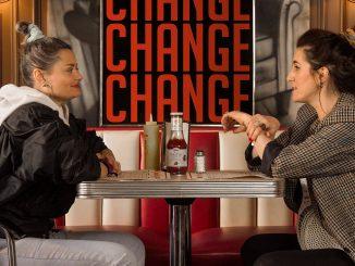 KLÁRA VYTISKOVÁve víru změny!Nový singl a klip Change sErikou Stárkovou i novorozený syn!
