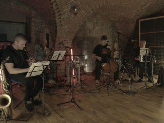 Album 10 Simple Melodies klarinetistu Branislava Dugoviča zaznie 12.5. vunikátnom online koncerte.