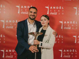 Kateřina Marie Tichá získala cenu Anděl v kategórii Objav roka a potvrdila začiatok spolupráce s kapelou Bandjeez.