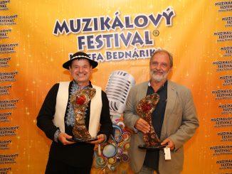 Skončil sa 14. ročník Muzikálového festivalu Jozefa Bednárika.Organizátori odovzdali ocenenia Jaroslavovi Moravčíkovi, Martinovi Kákošovi aFilipovi Renčovi.