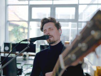 Domi Stoff prichádza s mocným singlom Posledný X vlive verzii z Rita Studio.